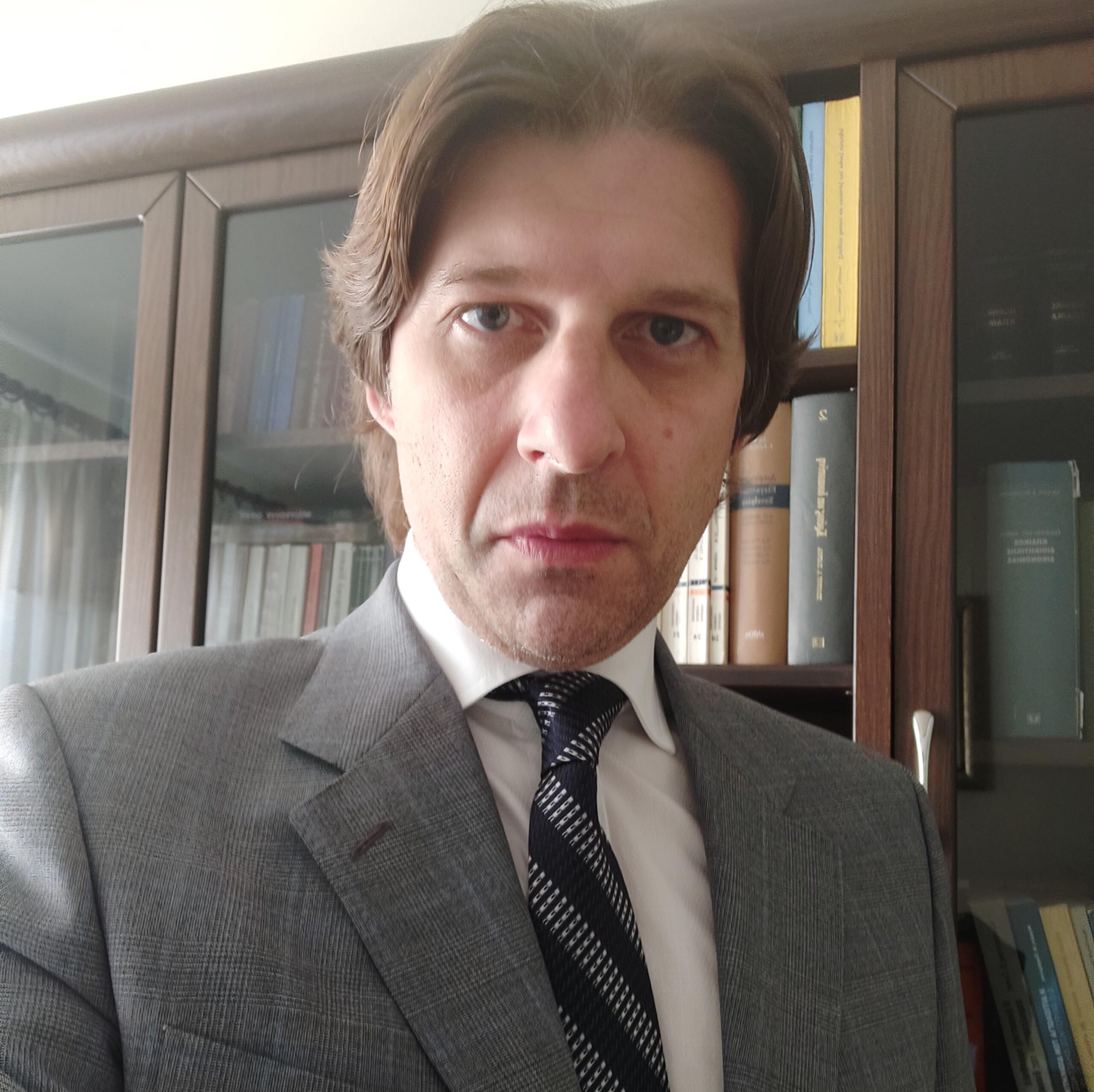 Χρήστος Βασματζίδης: Η συνταγματικότητα της υποχρέωσης διαγνωστικών ελέγχων νόσησης από τον covid – 19 στους υπαλλήλους του Δημοσίου και της τοπικής αυτοδιοίκησης