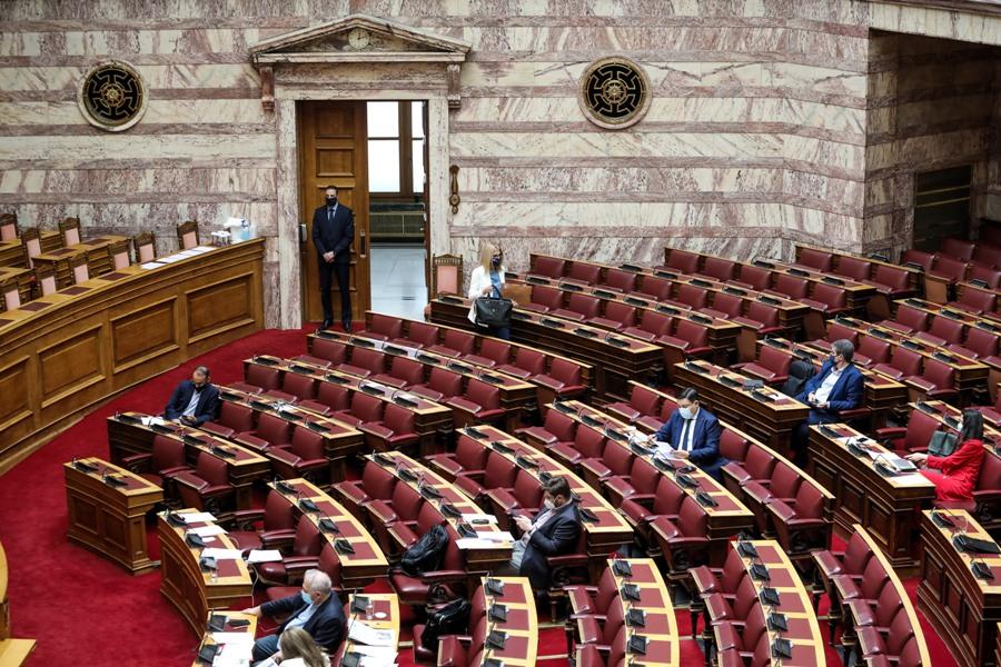 Στην Ολομέλεια η ψήφος των αποδήμων Ελλήνων –  Αρνητική η πρόβλεψη, δεν συμπληρώνονται 200 ψήφοι – Η στάση της αντιπολίτευσης