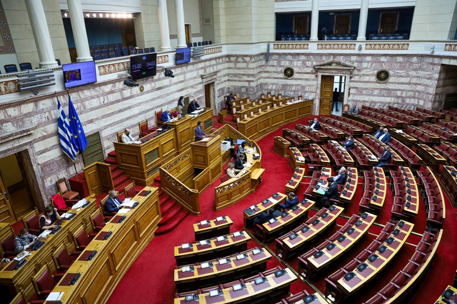 Νομοσχέδιο φαρμακευτικής κάνναβης: Ένσταση από τον ΣΥΡΙΖΑ για τον τρόπο λειτουργίας του Κοινοβουλίου – LIVE