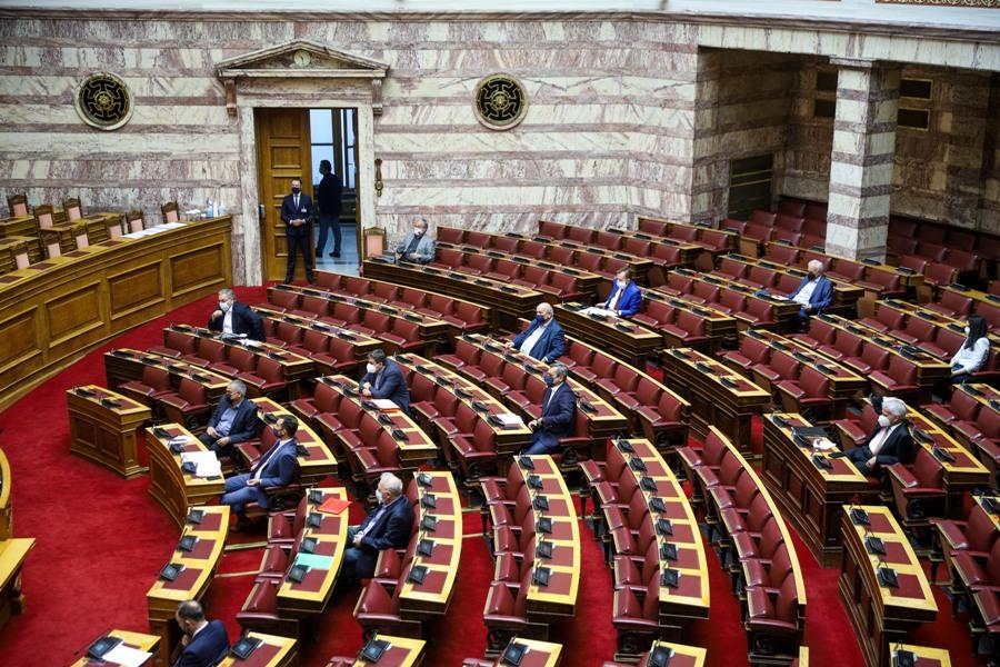 Βουλή: Στους 120 αυξάνεται ο αριθμός των βουλευτών με ταυτόχρονη φυσική παρουσία στην Ολομέλεια