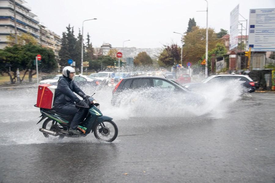 """Φεύγει η """"Αθηνά""""… έρχεται ο """"Μπάλλος"""": Νέο έκτακτο δελτίο επικίνδυνων καιρικών φαινομένων από την ΕΜΥ"""