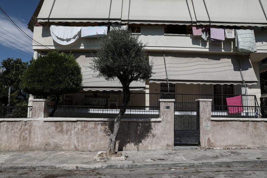Αγία Βαρβάρα: Πυροβόλησαν 64χρονη στο κεφάλι – Εξέπνευσε κατά τη μεταφορά της στο νοσοκομείο – ΒΙΝΤΕΟ – ΦΩΤΟ
