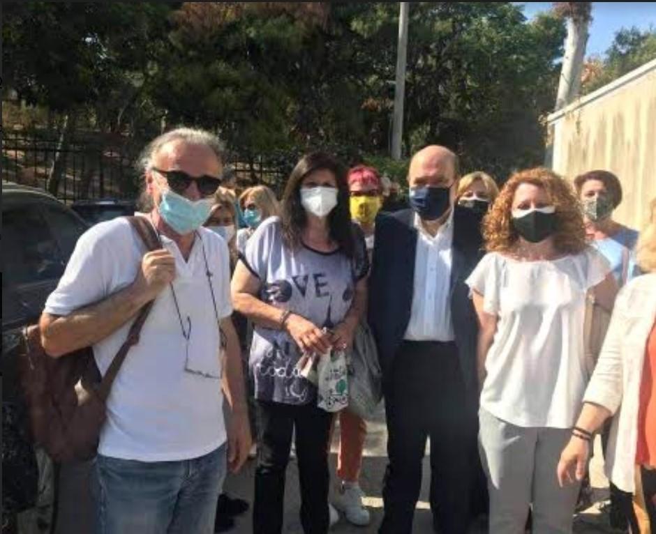 """Απίστευτα πράγματα στην Ευελπίδων: Δικαστής καταγγέλλεται πως φώναζε (πριν δικάσει) ότι """"όλοι οι συμβασιούχοι είναι αντισυνταγματικοί"""" – ΦΩΤΟ"""