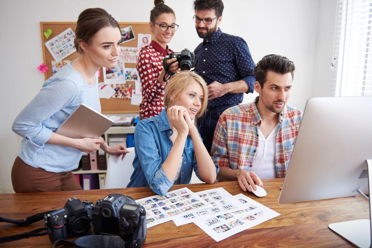 Καμπάνα 15.000 ευρώ σε εταιρεία για βιντεοσκόπηση χώρων εργασίας