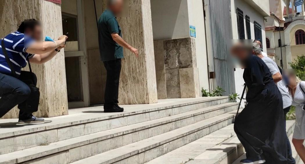 Αγρίνιο: Στον Εισαγγελέα ο ιερέας για βιασμό 2 ανήλικων κοριτσιών