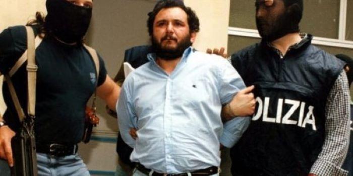 Τζιοβάνι Μπρούσκα: Αποφυλακίστηκε ο Ιταλός μαφιόζος που εμπλέκεται σε πάνω από 100 φόνους – Σκότωσε δικαστές και διέλυσε παιδί σε οξύ – ΒΙΝΤΕΟ