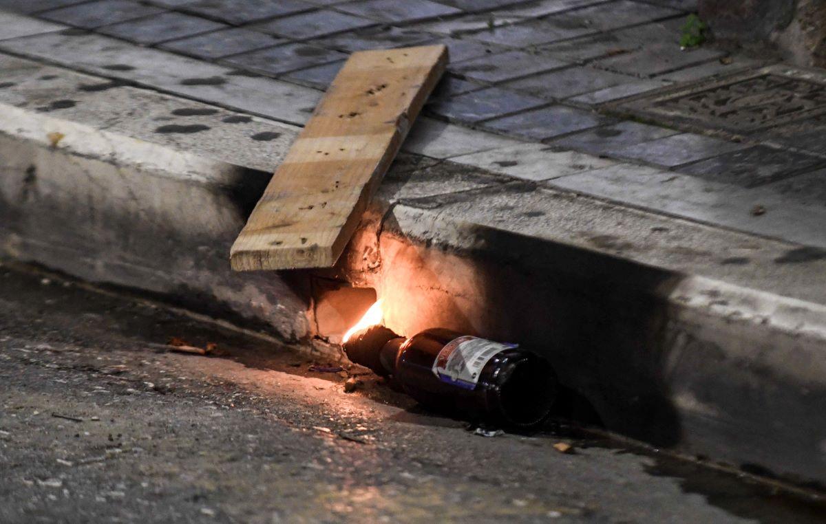 Θεσσαλονίκη: Ταυτοποιήθηκαν δύο αδέλφια για την επίθεση με μολότοφ σε σύνδεσμο του ΠΑΟΚ