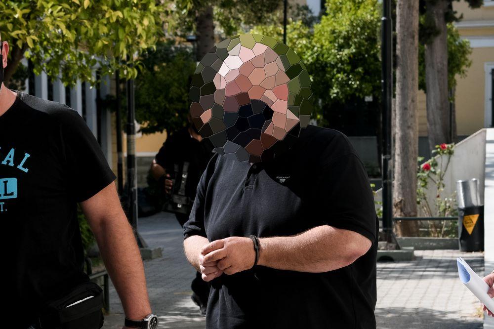 Προφυλακιστέος ο 48χρονος για την απόπειρα αρπαγής της 13χρονης στη Ραφήνα – BINTEO