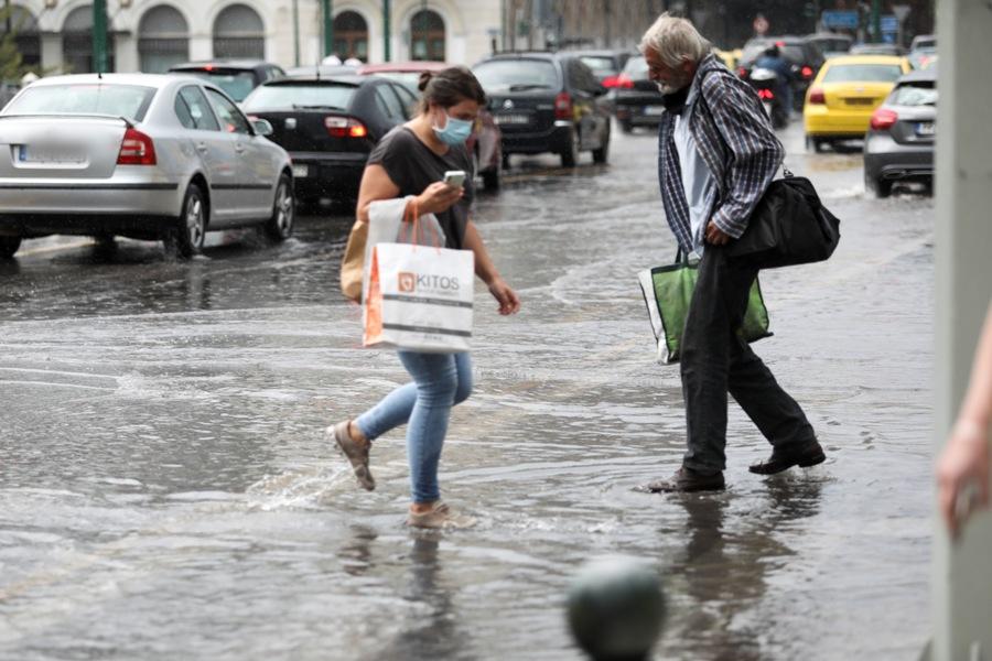 Άλλη μία ημέρα αστάθειας: Κυριακή με καταιγίδες, χαλαζοπτώσεις και έντονα φαινόμενα