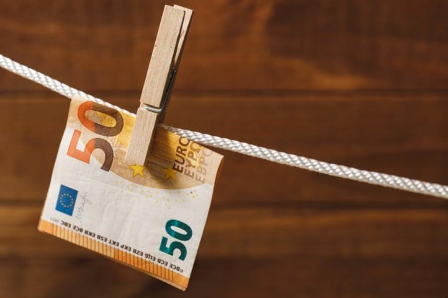 ΔΕΗ: Έφυγαν με λεία 115.000 ευρώ, χρυσαφικά και χρυσές λίρες