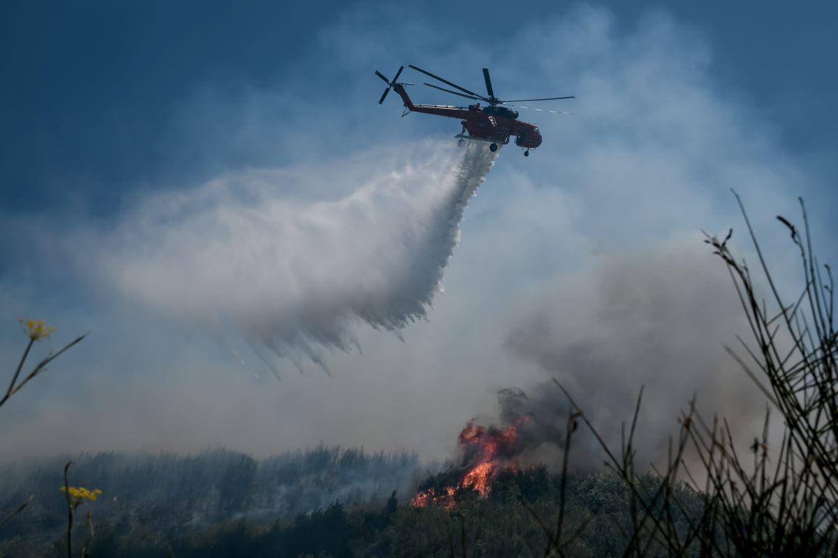 Φωτιά στο Πανόραμα Βούλας – Συναγερμός στην Πυροσβεστική