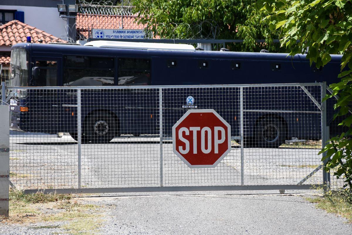 Φιλιππίδης: Στις φυλακές Τρίπολης χωρίς να περάσει από την Ευελπίδων