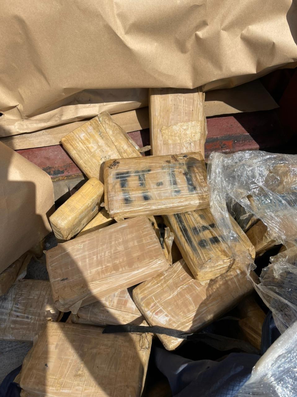 Λιμάνι Πειραιά: Μαμούθ-ποσότητα κοκαΐνης βρέθηκε σε τσουβάλια καφέ