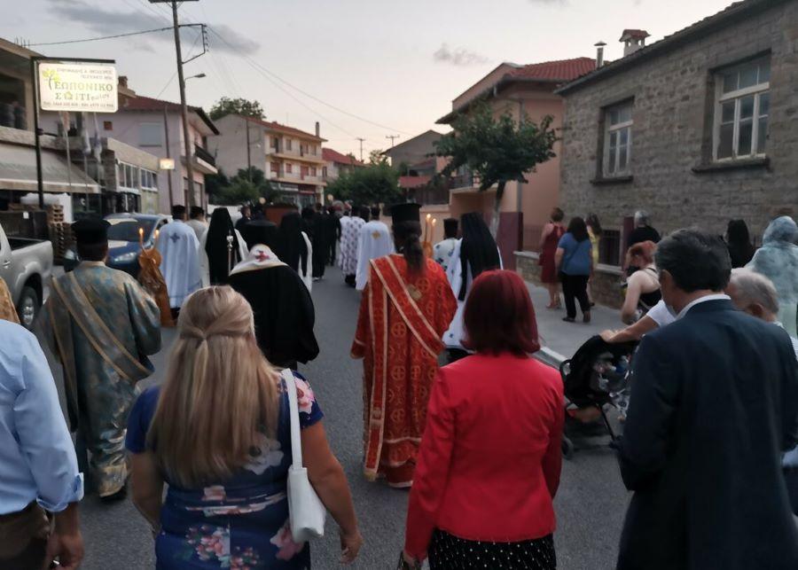 Κοζάνη: Πρόστιμο 1.500 ευρώ σε ιερέα για τη λιτανεία εικόνας της Αγίας Μαρίνας – ΦΩΤΟ
