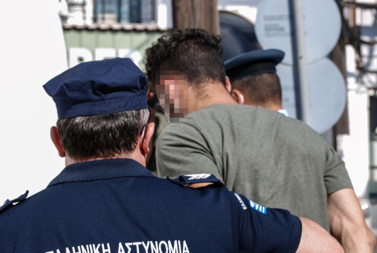 Φολέγανδρος: Στον ανακριτή ο 30χρονος-Μπήκε νοσοκομείο-Οργή Κούγια