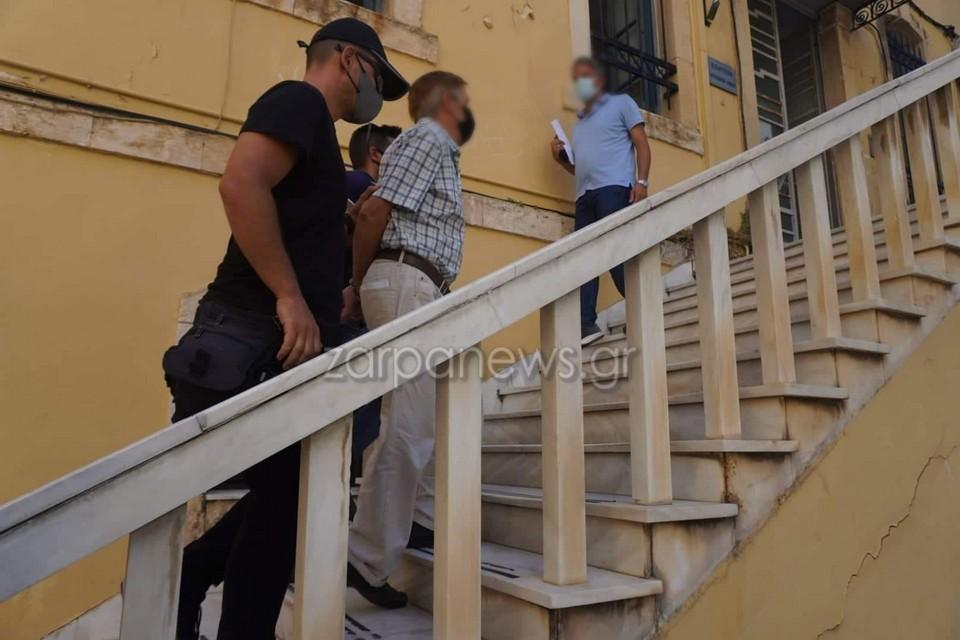Χανιά: Στον ανακριτή ο πατέρας - Αύριο η απολογία του για κακοποίηση του γιου του - ΒΙΝΤΕΟ - ΦΩΤΟ