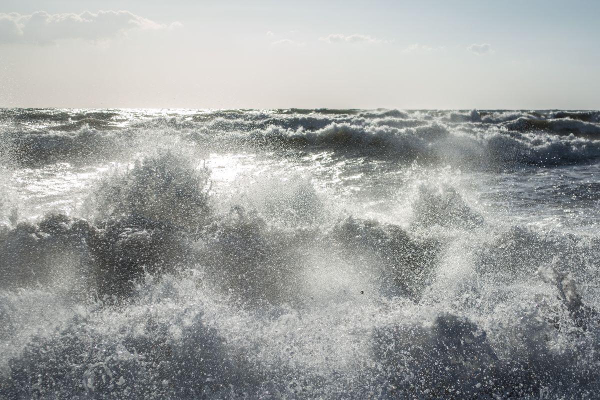 Θρίλερ στο Π. Φάληρο: Εντοπίστηκε το πτώμα γυναίκας στη θάλασσα, στο πάρκο του Φλοίσβου