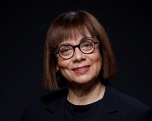 Ελένη Τροβά: Πρέπει το ΔΕΕ να πάψει να ονομάζεται δικαστήριο;