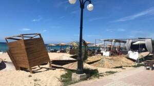 Χαλκιδική:Ανεμοστρόβιλος σάρωσε παραλία γεμάτη κόσμο-Μία τραυματίας