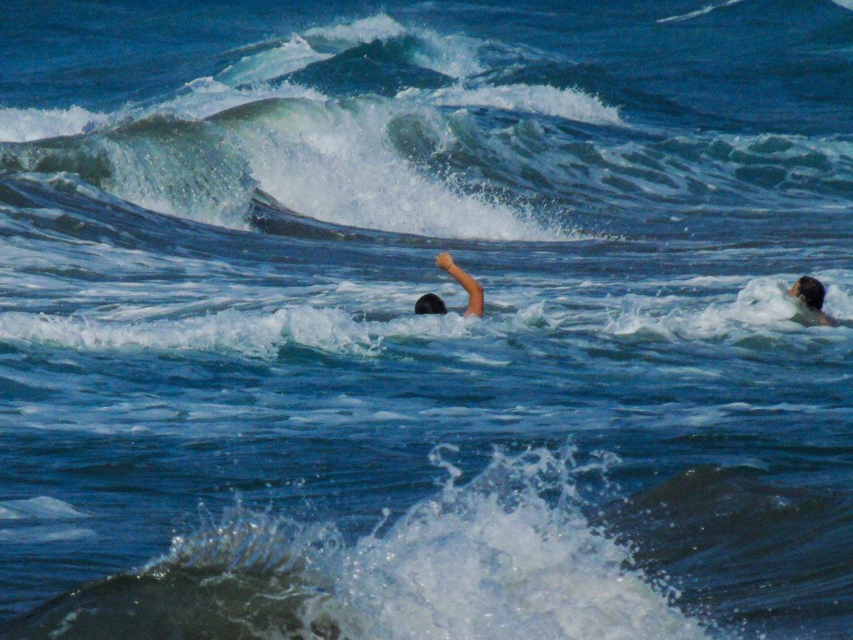 Π. Φάληρο: Πτώμα γυναίκας στη θάλασσα, στο πάρκο του Φλοίσβου