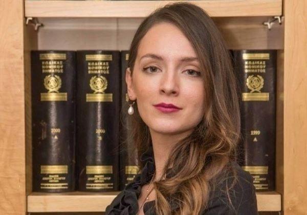 Μαριάννα Κατσιάδα: Απαγόρευση της χρήσης θρησκευτικών συμβόλων σε χώρους εργασίας