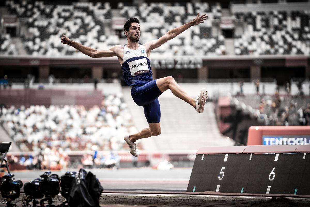 Έγραψε ιστορία ο Μίλτος Τεντόγλου: Χρυσός Ολυμπιονίκης με 8.41μ. στο τελευταίο άλμα