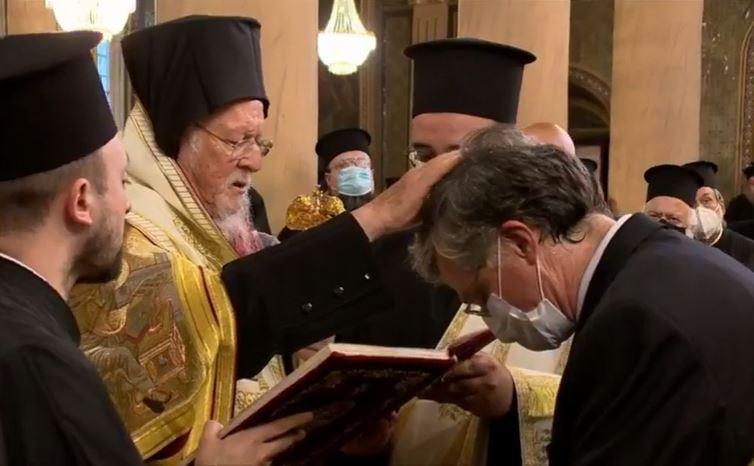 Ο Τσιόδρας χειροθετήθηκε σε Άρχοντα Οφφικιάλιο από τον Οικουμενικό Πατριάρχη – ΒΙΝΤΕΟ – ΦΩΤΟ