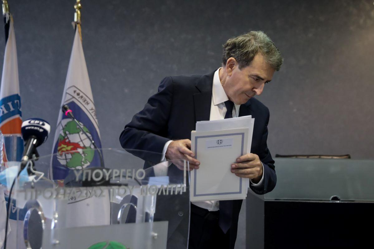 Χρυσοχοΐδης: Η πολιτική είναι σκληρή – Αποχαιρετώ το υπουργείο, όχι το δημόσιο βίο – ΒΙΝΤΕΟ