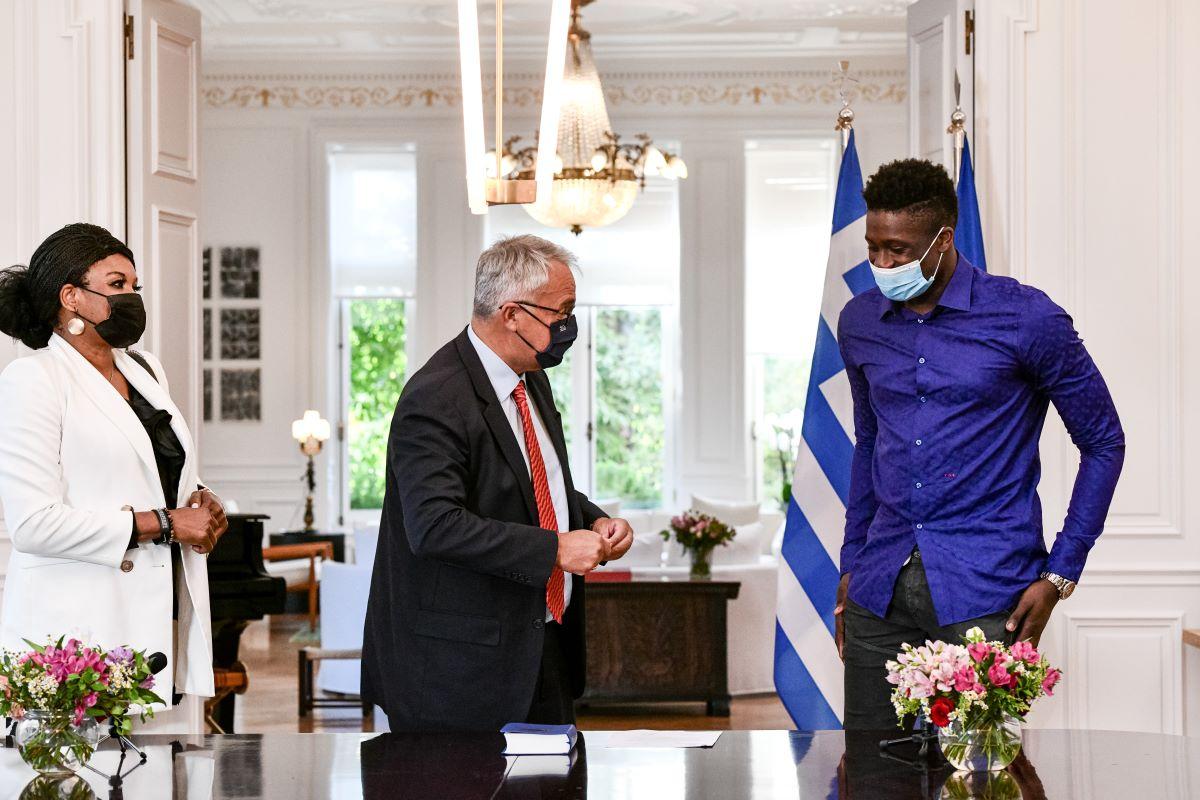 Μητσοτάκης: Η οικογένεια Αντετοκούνμπο είναι η Ελλάδα που θέλουμε