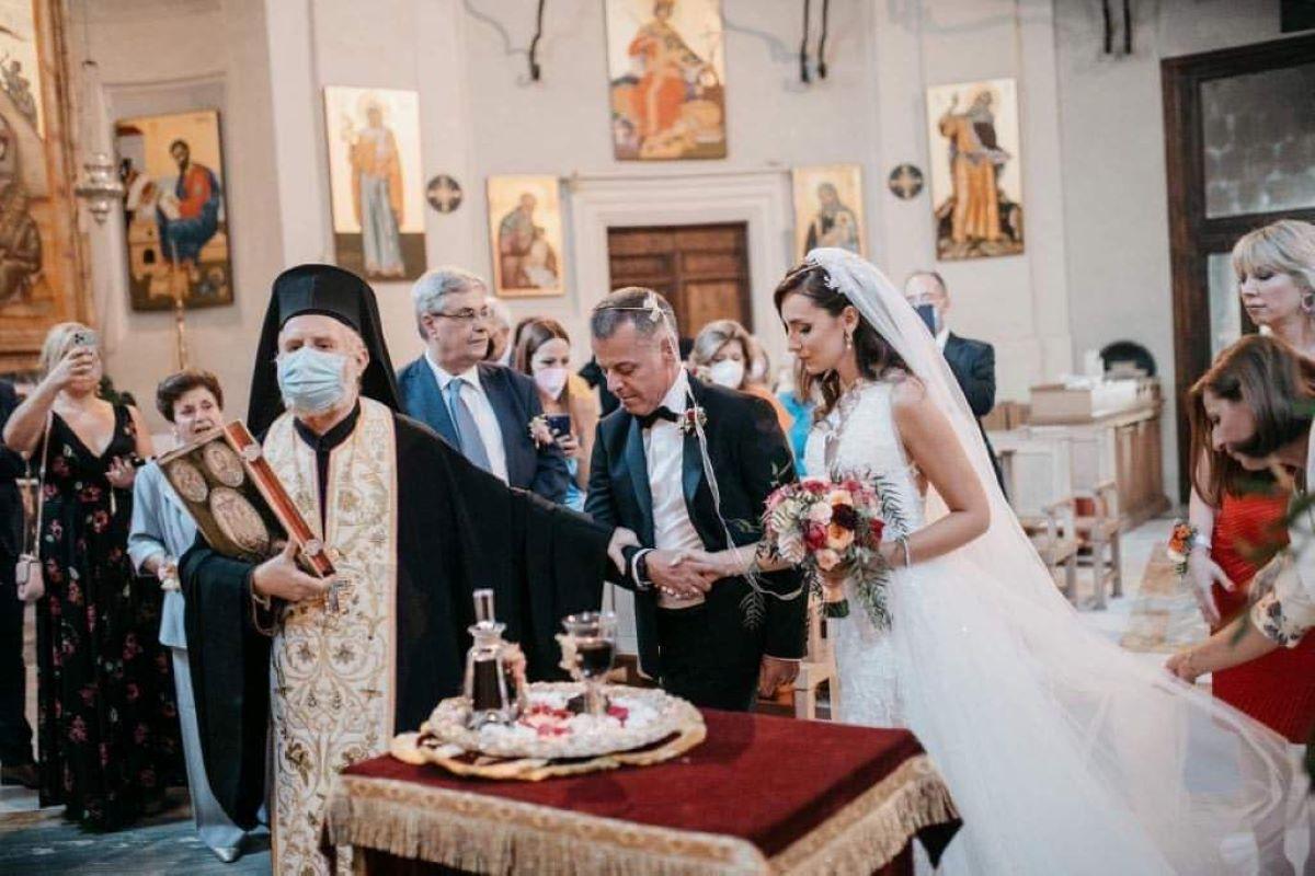 Γάμος στην αιώνια πόλη για τον εργατολόγο Γιάννη Καρούζο και την δημοσιολόγο Μαριάννα Κατσιάδα – ΦΩΤΟ