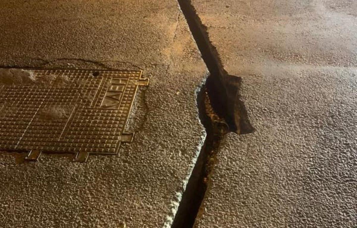 Ο Δήμος Αθηναίων κατέθεσε μηνυτήρια αναφορά στον εισαγγελέα κατά εταιρείας για επικίνδυνη εργολαβία σε δρόμο στον Κολωνό – ΦΩΤΟ
