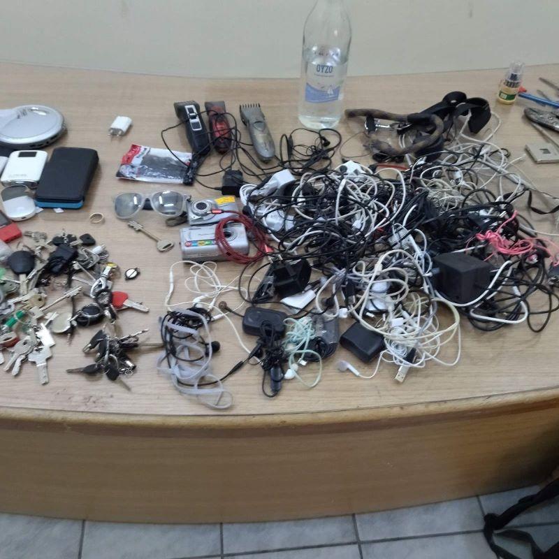 """Κορυδαλλός: Σπαθιά, κατσαβίδια κ άλλα """"όπλα"""" βρέθηκαν σε έλεγχο"""