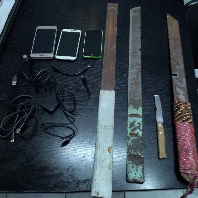 """Κορυδαλλός: Σπαθιά, ψαλίδια, κατσαβίδια… και άλλα """"όπλα"""" ξετρύπωσαν οι σωφρονιστικοί υπάλληλοι – ΦΩΤΟ"""