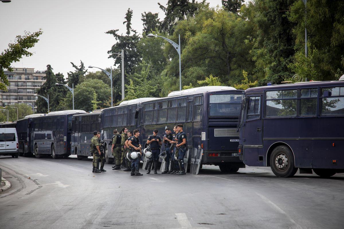 """Θεσσαλονίκη: 5.500 αστυνομικοί στη ΔΕΘ – Το σχέδιο """"τριπλού κλοιού"""" για τυχόν επεισόδια – BINTEO"""