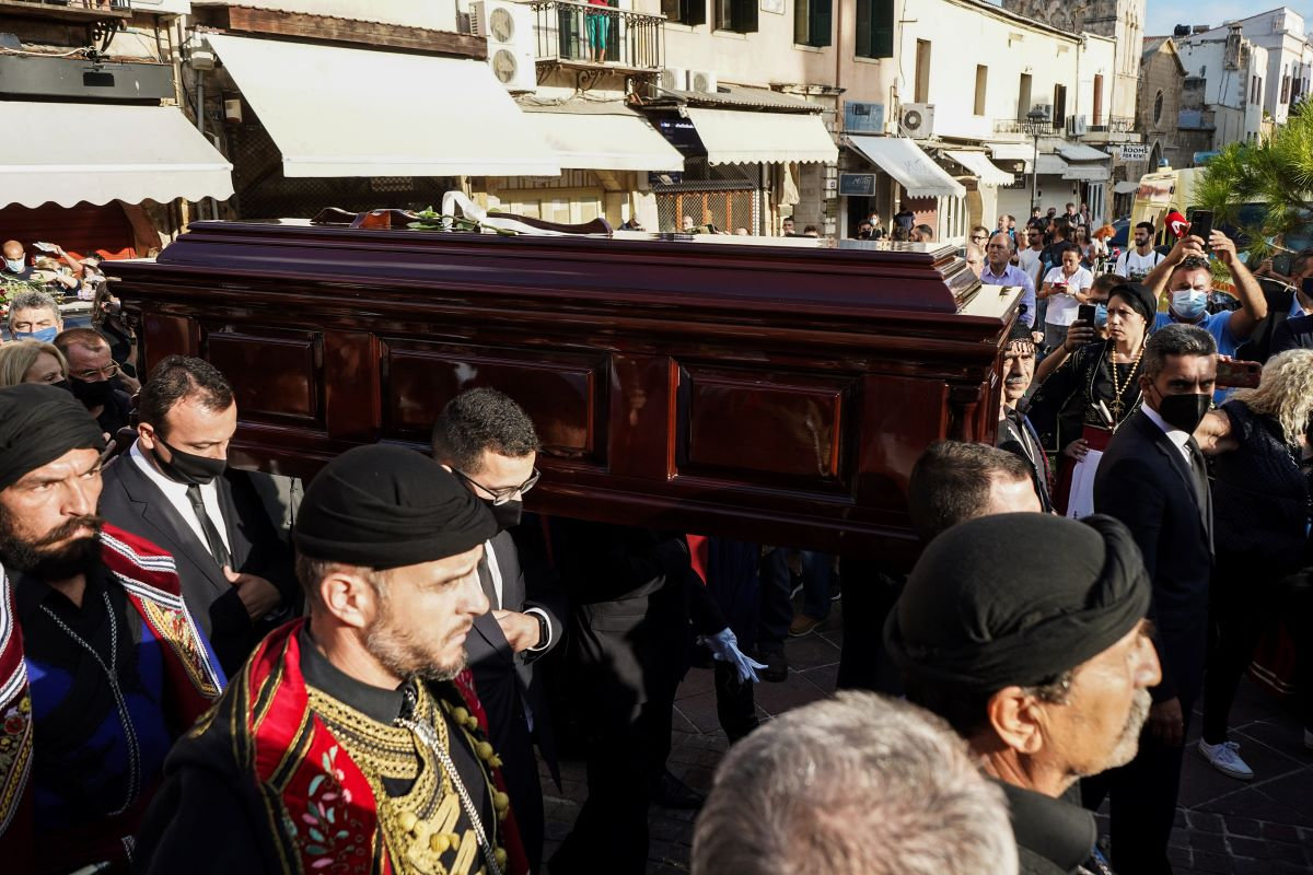 Η Κρήτη αποχαιρετά τον περήφανο αητό της Μίκη Θεοδωράκη