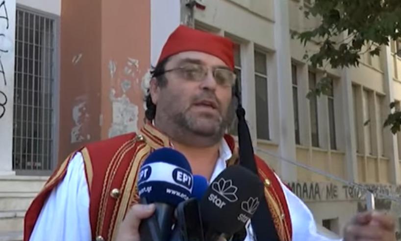 """Πύργος: Σήμερα δικάζεται ο """"τσολιάς"""" πατέρας αρνητής – Οι κατηγορίες"""