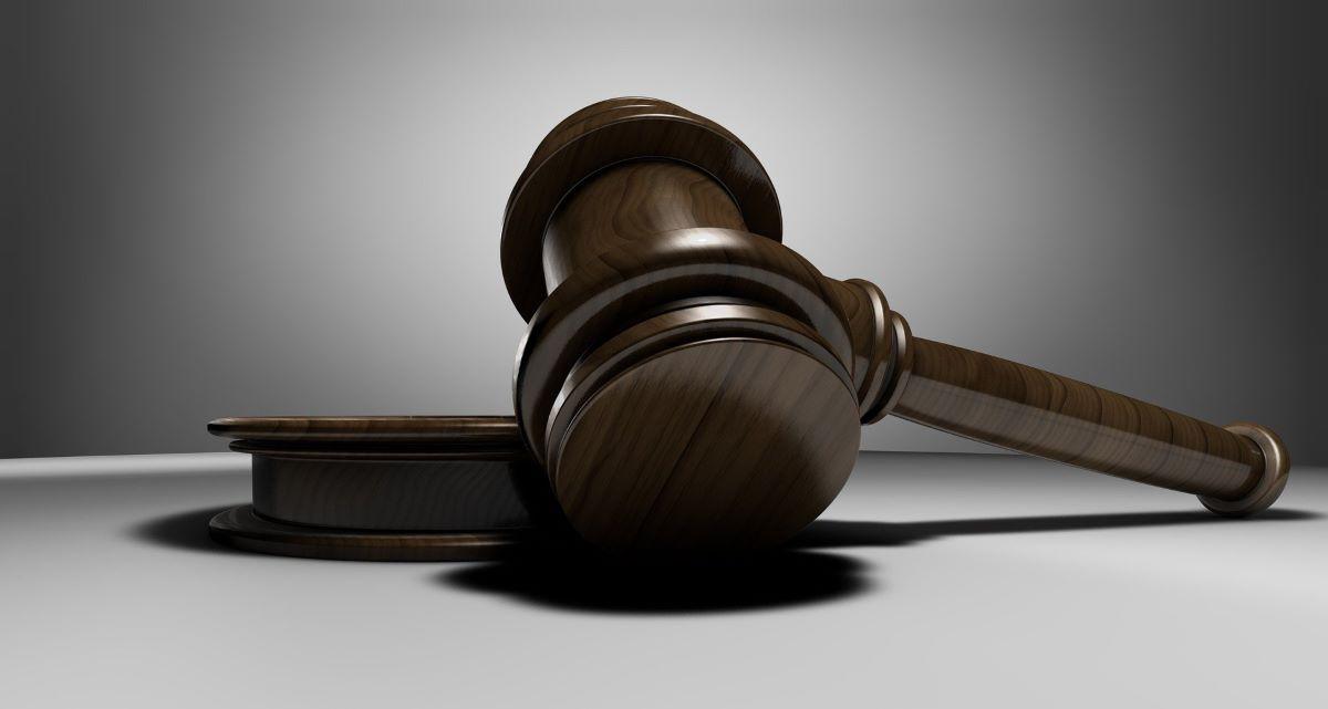 """Δικαστική """"ρήτρα αχαριστίας"""" σε γιό : Απορρίφθηκαν ασφαλιστικά μέτρα με τα οποία ζητούσε να πετάξουν στο δρόμο την μητέρα του"""