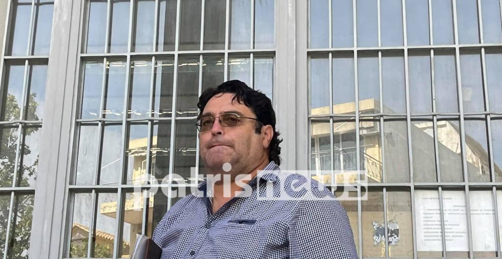 """Ποινή φυλάκισης 14 μηνών για τον """"τσολιά"""" πατέρα αρνητή – ΒΙΝΤΕΟ"""