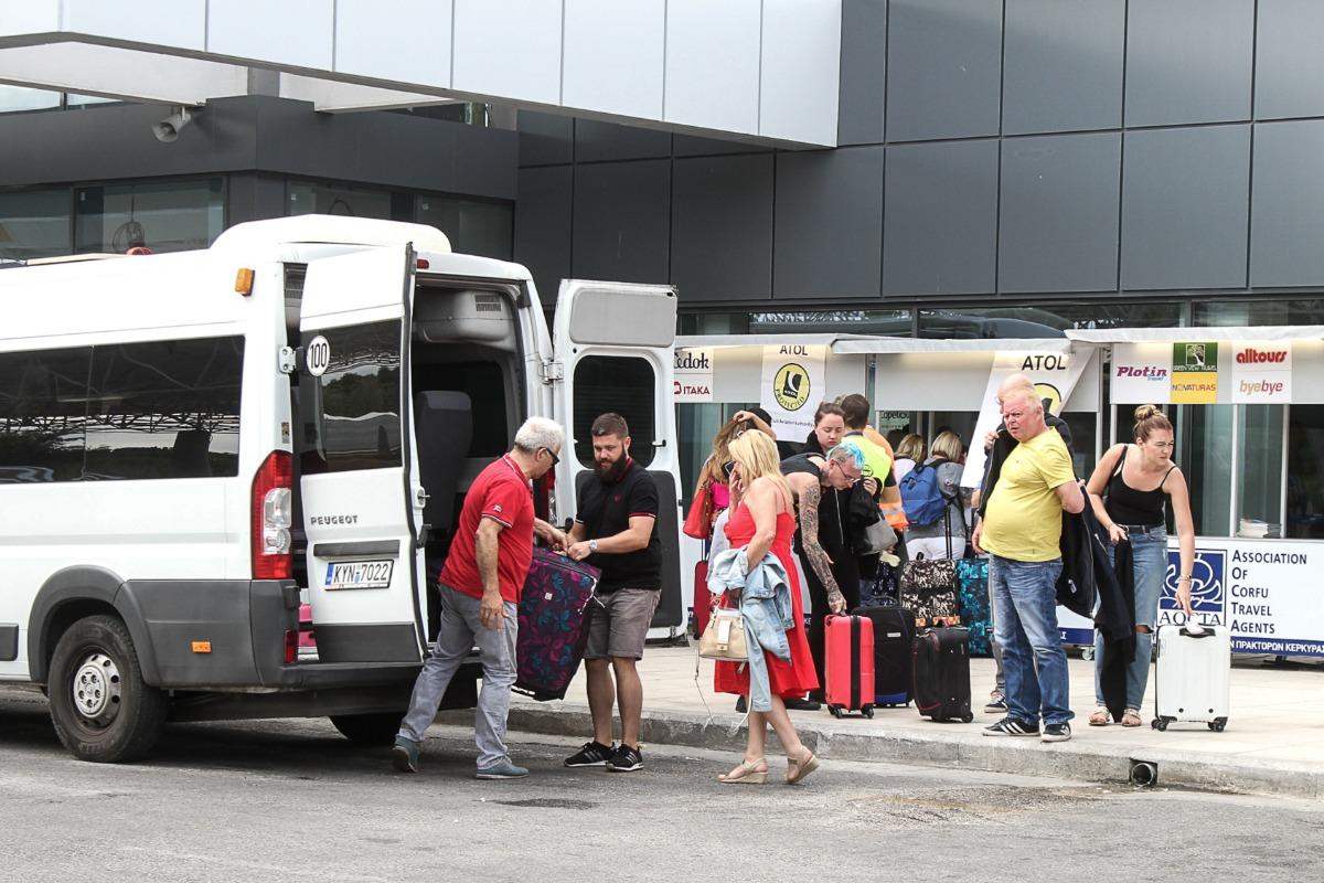 Αναγκαστική προσγείωση αεροπλάνου στην Κέρκυρα – Μπήκε πουλί στον κινητήρα