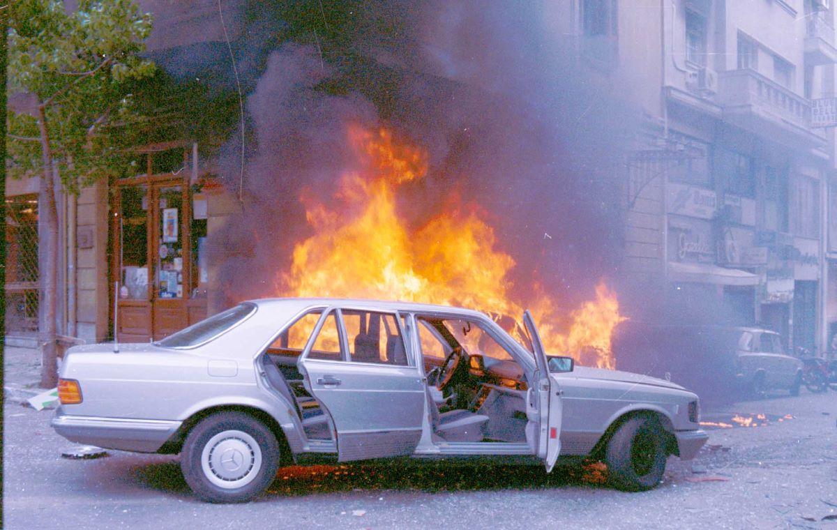 Ο Παλαιοκρασσάς στόχος επίθεσης της 17Ν-Πέθανε ο Θάνος Αξαρλιάν