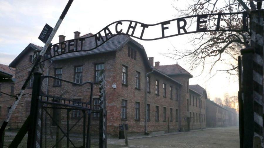 Δικαστική ιστορία γράφεται στη Γερμανία: Ξεκινά σήμερα η δίκη ενός 100χρονου πρώην ναζί – BINTEO